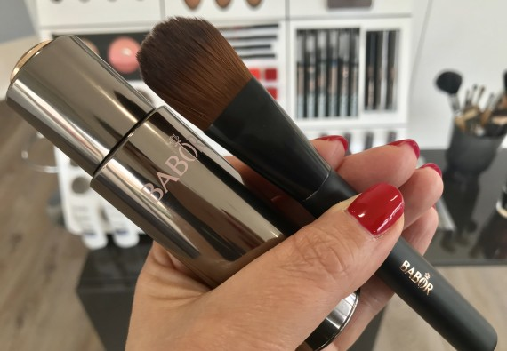 Make-up + luxusní štětec zdarma!